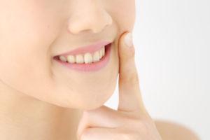 抜いた親知らずを移植して再利用する治療法(自家歯牙移植)